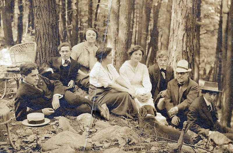 800px-Artists_at_Mount_Kisco_1912